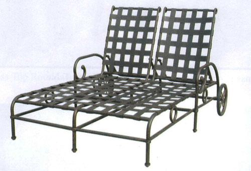 Patio furniture chaise lounge cast aluminum double malibu for Cast aluminum outdoor chaise lounge
